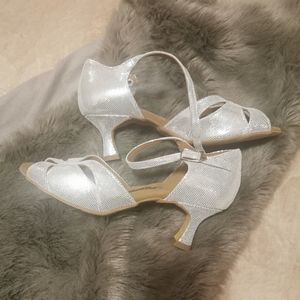 shoes with leather sole outside fit size 5.5